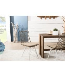 Lot de 2 chaises scandinaves en rotin et métal blanc  avec coussin